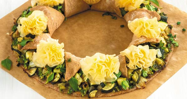 Ring tart with courgettes and Tête de Moine AOP rosettes
